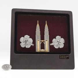 [681] Twin Towers & Bunga Raya (Gold)