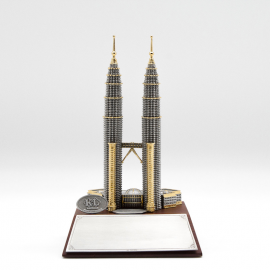 [712G] Twin Towers (Gold) (Wood)