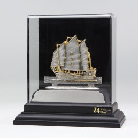 [935] Sailing Boat (Gold) (S)
